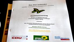 Der Koalitionsvertrag liegt in Papierform vor.