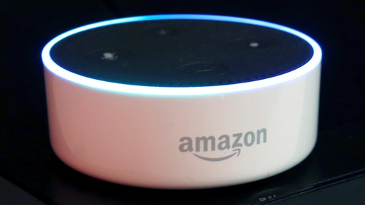 Amazon Dot mit Alexa-Sprachassistent | REUTERS