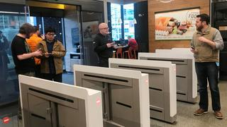 Kundenregistrierung bei Amazon Go in Seattle | Bildquelle: REUTERS