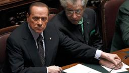 Silvio Berlusconi mit Umberto Bossi am 8. November 2011