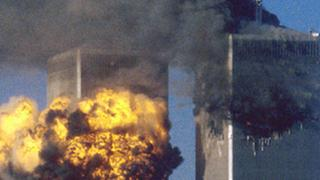 Die brennenden Türme des World Trade Centers in New York (Archivbild)