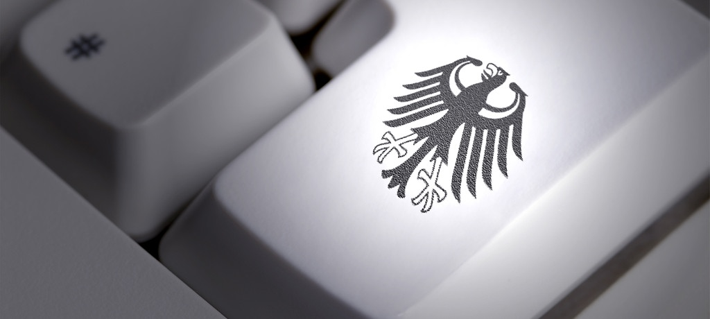 Computertastatur mit Bundesadler | picture-alliance