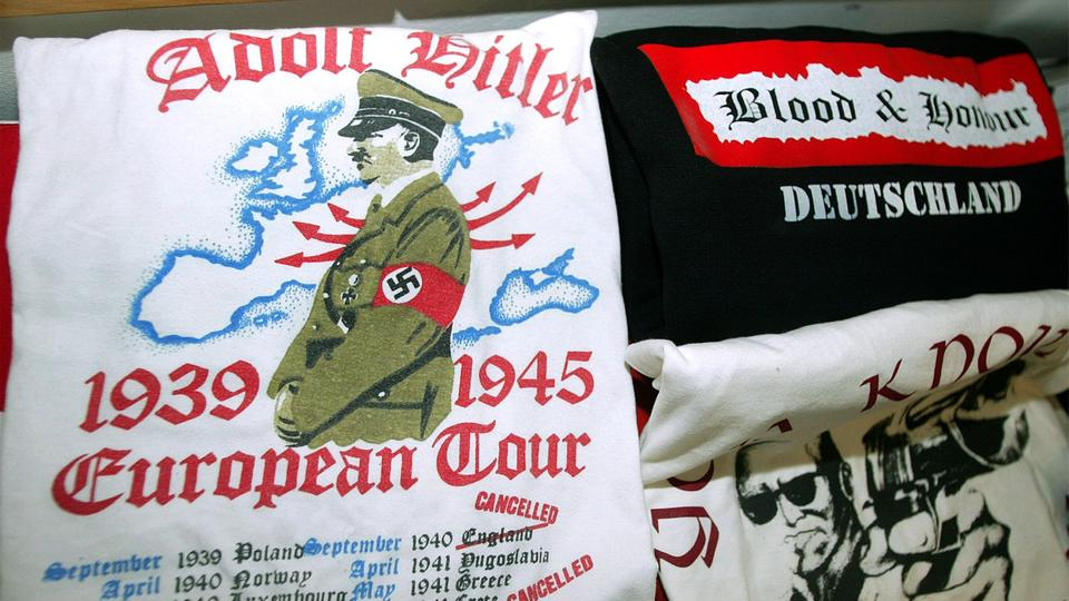 "Sichergestelltes Material der rechtsextremen Organisation ""Blood and Honour"" 