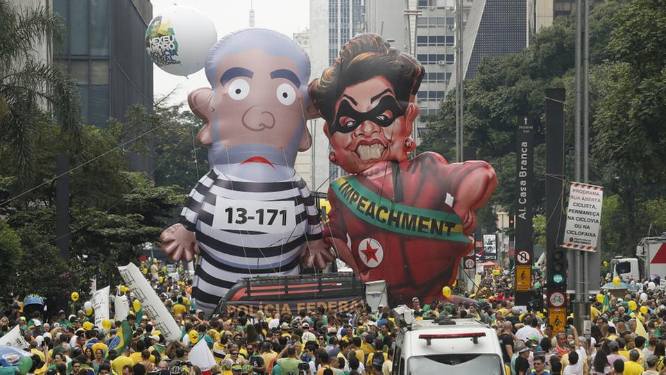 Demonstranten in Sao Paulo | Bildquelle: AP