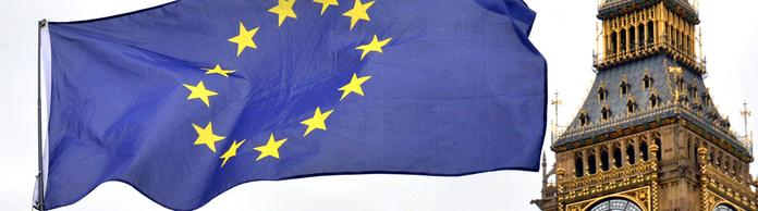 EU-Flagge  in London | Bildquelle: dpa