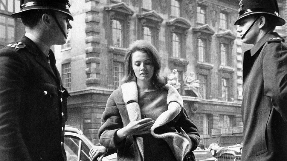 Christine Keeler 1963 in London | Bildquelle: AP