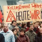 Demonstration vor der Treuhandanstalt in Berlin im November 1990 | null