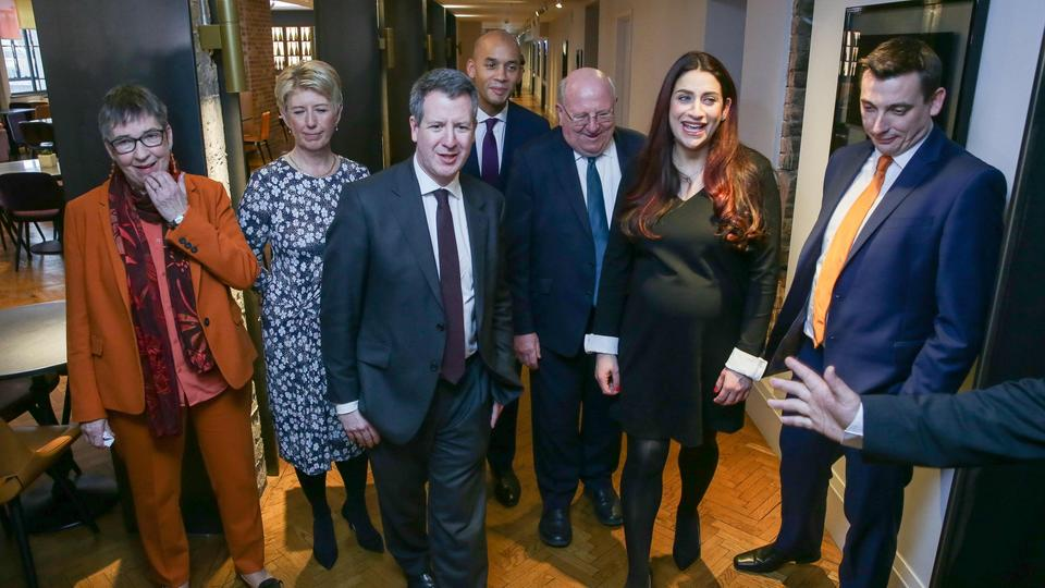 Ehemalige Labour-Abgeordneten: Ann Coffey, Angela Smith, Chris Leslie, Chuka Umunna, Mike Gapes, Luciana Berger, and Gavin Shuker | Bildquelle: AFP