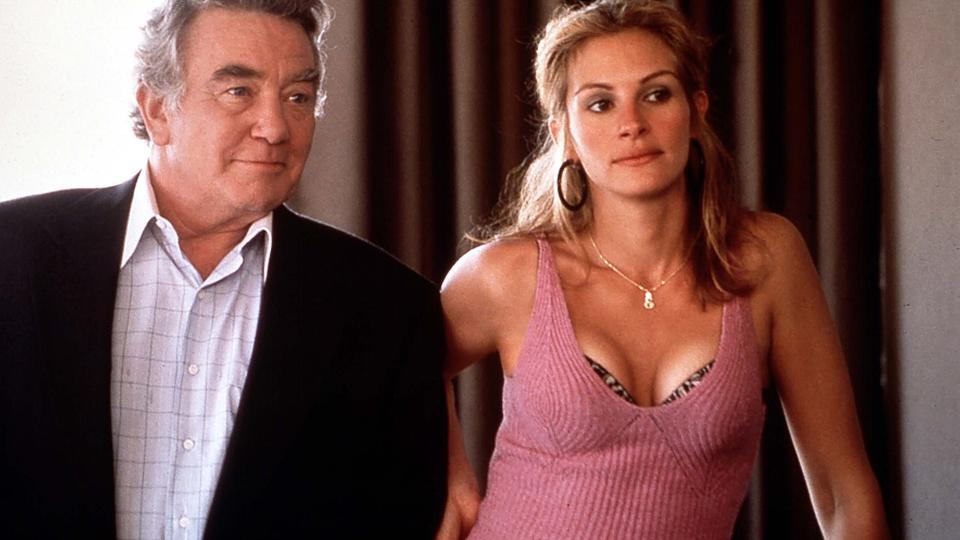 Albert Finney und Julia Roberts | Bildquelle: picture-alliance / Mary Evans Pi