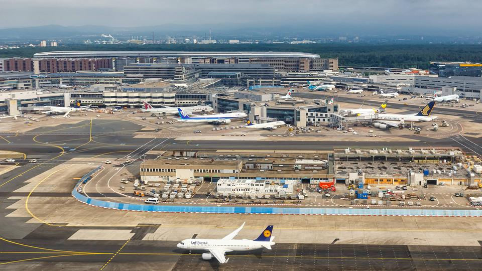 Flughafen Frankfurt  | imago/Aviation-Stock
