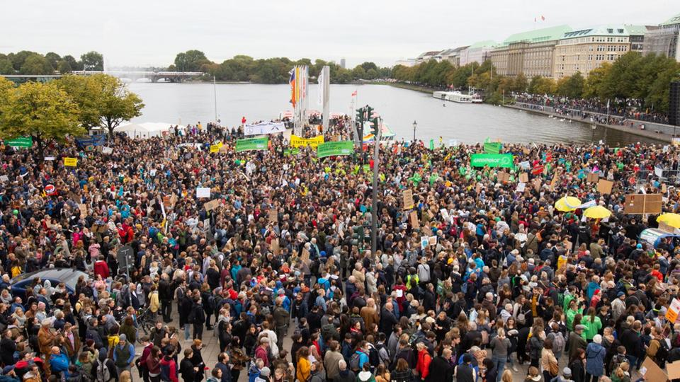 Fridays For Future-Protest im September 2019 in Hamburg | Bildquelle: dpa