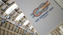 G20-Logo in der Hamburger Messe | Bildquelle: dpa