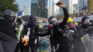 Vermummte Demonstranten in Hongkong