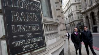 Eine Filiale der Lloyds Bank in London. | Bildquelle: Reuters