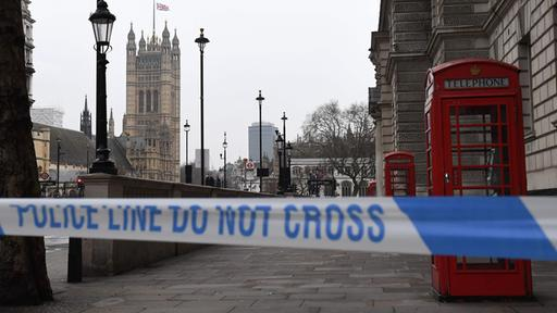 Absperrung vor dem Parlament in London | Bildquelle: AFP