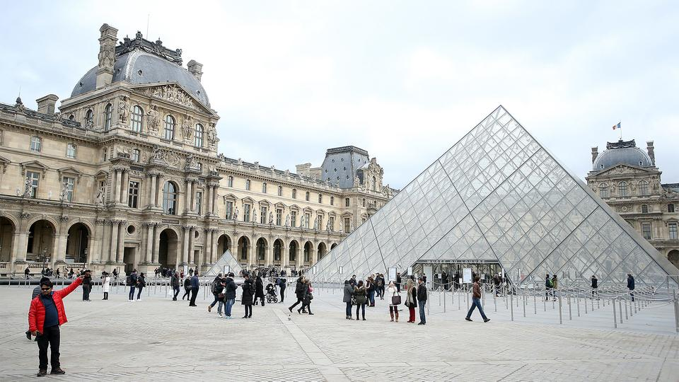Louvre in Paris | Bildquelle: picture alliance / PIXSELL