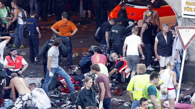 Loveparade Stampede Kills 15 In Duisburg General Off