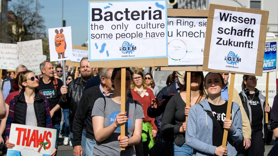 Teilnehmer des March For Science in München | dpa