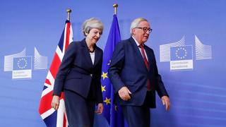 May und Juncker in Brüssel | Bildquelle: REUTERS
