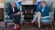 Theresa Max (rechts) und Nicola Sturgeon in Edinburgh