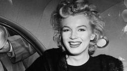 Marilyn Monroe landet in New York. nach einem Nachtflug aus Hollywood.