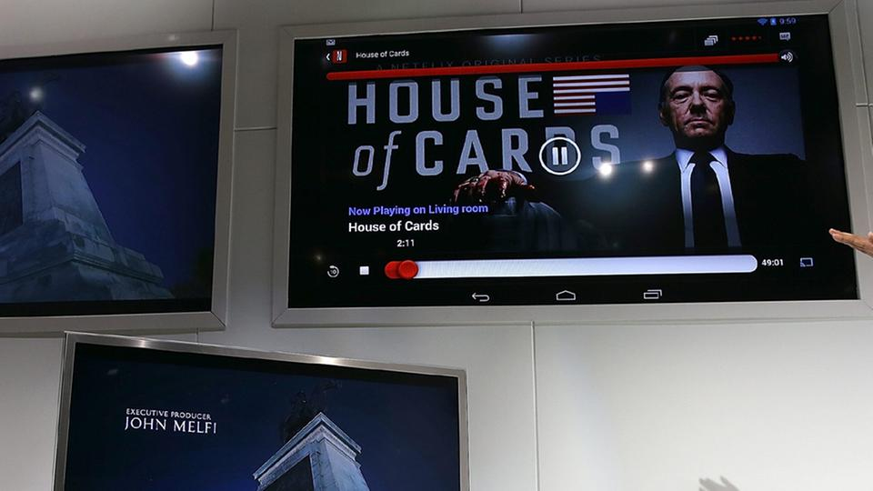 "Netflix-Produktion ""House of Cards"" auf einem TV-monitor 