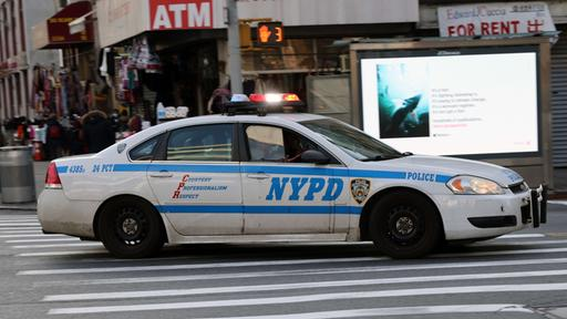 Ein Polizeiwagen in New York (Archivbild). | AFP