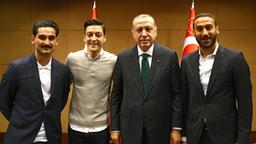 Ilkay Gündogan, Mesut Özil, Recep Tayyip Erdogan und  Cenk Tosun | Bildquelle: TURKISH PRESIDENTAL PRESS OFFICE