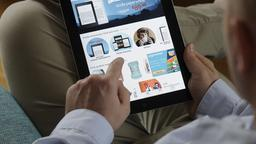 Onlineshopping mit dem Tablet. | Bildquelle: picture alliance / NurPhoto