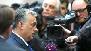 Viktor Orban vor Journalisten in Brüssel