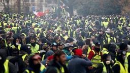Gelbwesten in Paris  | Bildquelle: REUTERS