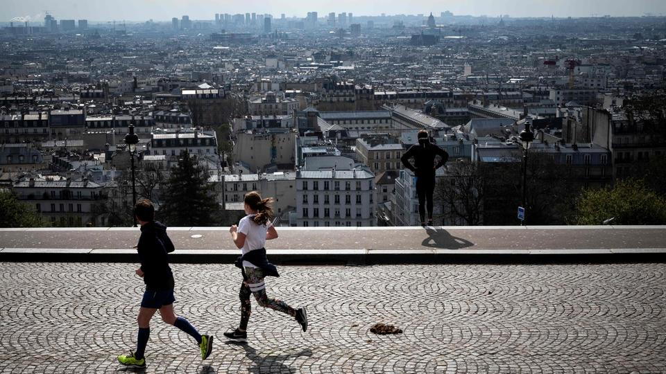 Jogger am Montmartre in Paris | Bildquelle: AFP