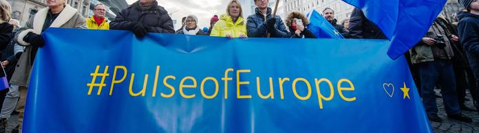 Pulse of Europe | Bildquelle: dpa