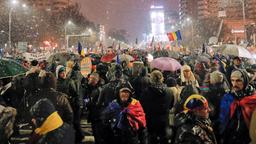 Demonstranten in Bukarest | Bildquelle: AP