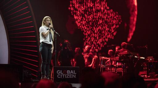 Shakira während Des Global-Citizen-Konzerts zum G20 in Hamburg | picture alliance / SvenSimon