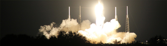 Die SpaceX-Rakete beim Start in Cape Canaveral