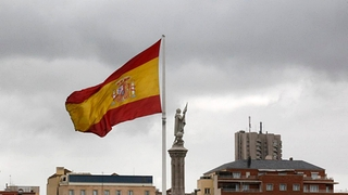 Spanische Flagge in Madrid