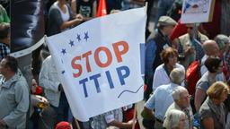 ''Stop TTIP''-Demo | Bildquelle: picture alliance / dpa