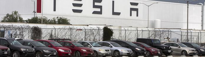 Tesla-Werk in Fremont | Bildquelle: picture alliance / San Jose Merc
