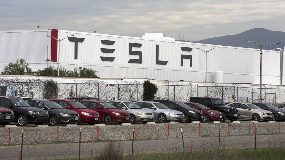Tesla-Werk in Fremont | picture alliance / San Jose Merc