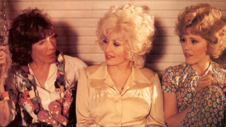"Dolly Parton (Mitte) mit Jane Fonda (rechts) und Lily Tomlin in ""9 to 5"" 
