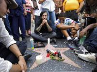Trauernde Michael-Jacksons-Fans in Hollywood (Foto: AP)