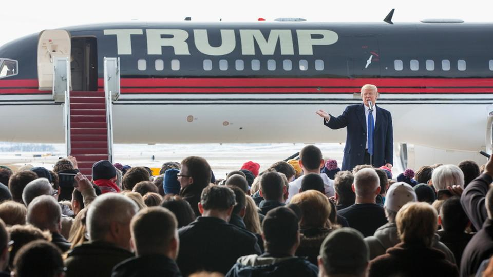 Trump landet in Iowa | Bildquelle: AFP