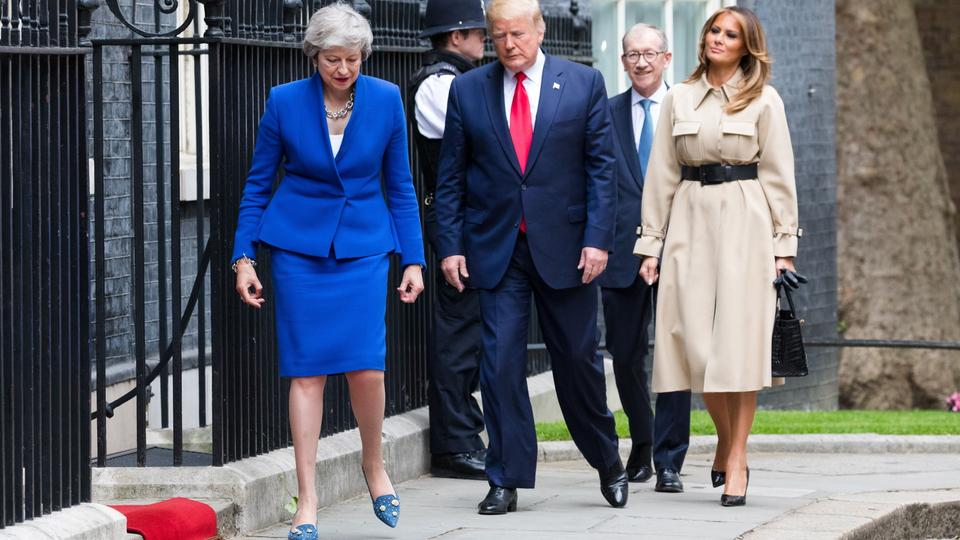 Theresa May und Donald Trump vor Downing Street No. 10 mit Melania Trump und Philip May | Bildquelle: VICKIE FLORES/EPA-EFE/REX