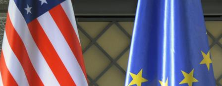 Flaggen USA und EU | Bildquelle: picture alliance / dpa