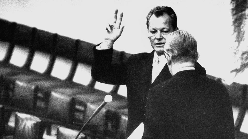 Vereidigung Willy Brandts als Bundeskanzler am 21. Oktober 1969 | Bildquelle: picture-alliance/ dpa