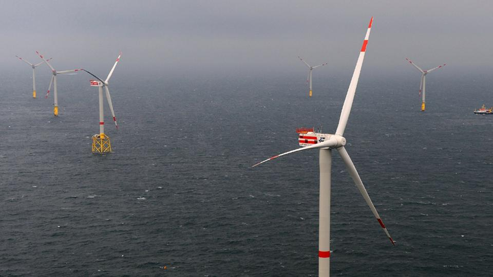 Windpark vor Borkum in der Nordsee
