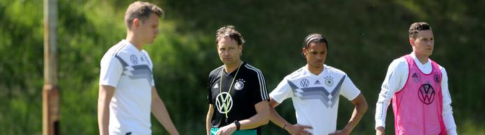 Ersatz-Bundestrainer Marcus Sorg beim Training der Nationalmannschaft. | Bildquelle: Bongarts/Getty Images